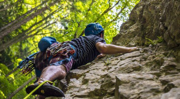 Climbing 2609319 1920